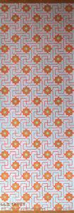 Willumsen og Alhambramønstret 21. Original håndtrykt på kraftig nonwoven tapetpapir med kompositionsfarver. Måler 56 x 166 cm. Prisen er 1.700,-